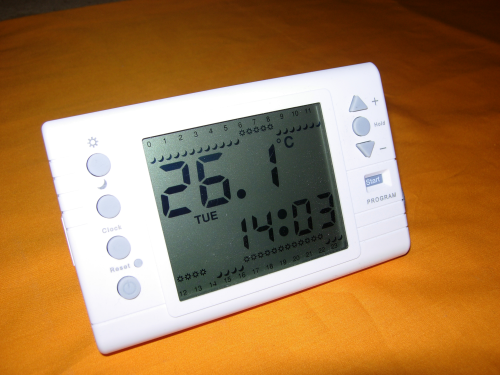 LARGE LCD PROGRAMMABLE VOLT FREE ROOM THERMOSTAT