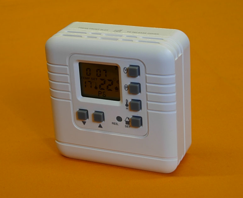 DIGITAL ROOM THERMOSTAT / PROGRAMMER VOLT FREE