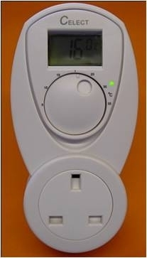 UK PLUG IN HEATING ONLY LCD THERMOSTAT 13AMP 240(-5°C ~ +25°C)