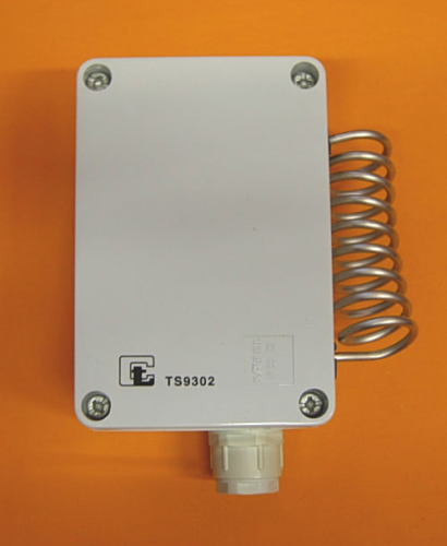 Room Thermo-regulator for Industrial Installations with Internal Adjustments IP55 -35°C~+35°C Internal Adjustments