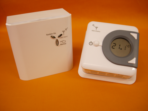Digital Easy to Read Wireless RF868MHz Room Thermostat